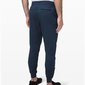 Men's LuLu lemon Joggers Size medium navy blue